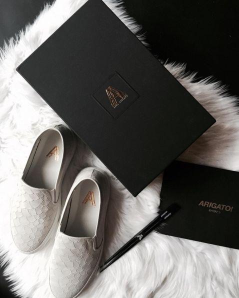 Arigato kehidupan box.jpg kotak hitam w