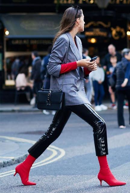 kitten-heel-boots-autumn-street-style-27